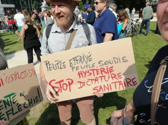 400-tal betogers tegen verplichte vaccinatie in Brussel