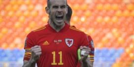 Wales slaakt zucht van opluchting na late winning goal, probleemloze avond voor Engeland