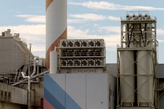 Grootste fabriek ter wereld die CO<sub>2</sub> uit de lucht haalt geopend in IJsland