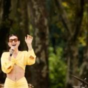 Lorde zingt in het Maori