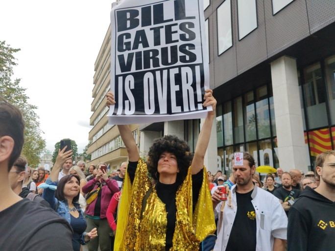 3.500 deelnemers voor betoging in Brussel tegen coronapas: 'Wij zijn geen antivaxers'