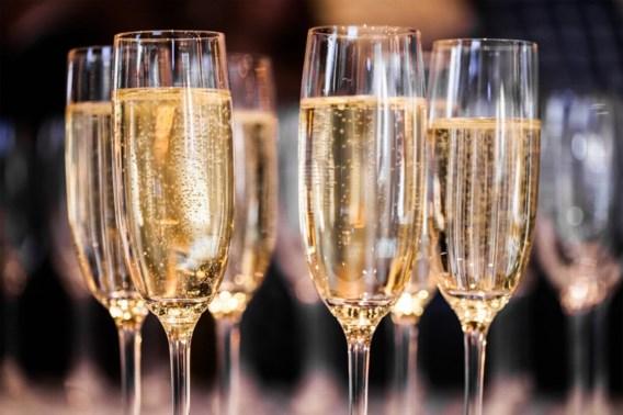 Fransen begraven strijdbijl: champagne kan weer naar Rusland