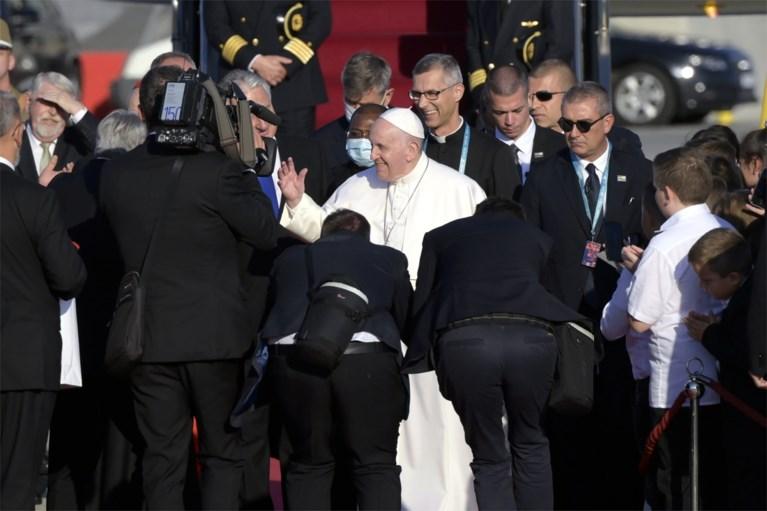 Paus Franciscus smeekt Hongarije 'meer open' te zijn voor mensen in nood