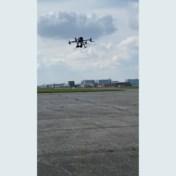 Drones met roofvogelgeluiden moeten vogels afschrikken op de luchthaven