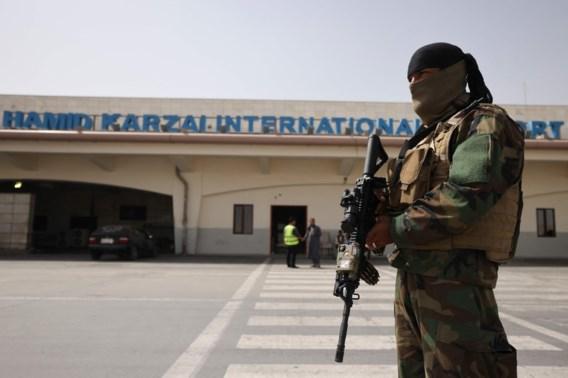 Maandag eerste commerciële vlucht tussen Islamabad en Kaboel onder taliban