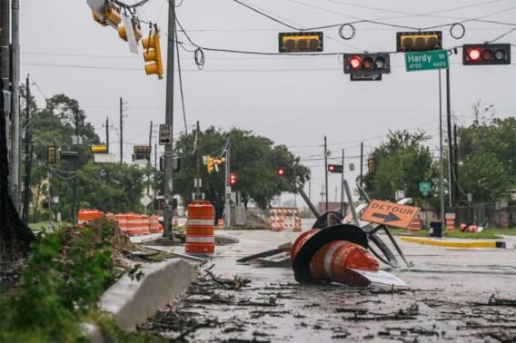 Nicholas alweer afgezwakt tot tropische storm, half miljoen gezinnen zonder stroom