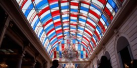 Daniel Buren brengt 'patriottische' kunst naar het Elysée