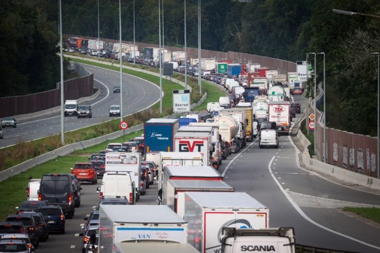 Brusselse ring volledig vrijgegeven na ongeval met tankwagen met gevaarlijke stoffen