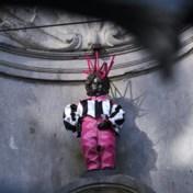 Manneken Pis trekt queer kostuum aan