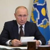 Poetin zegt dat 'tientallen personen' uit entourage besmet zijn