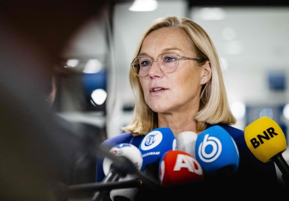 Chaotische evacuaties dwingen Nederlandse minister tot ontslag