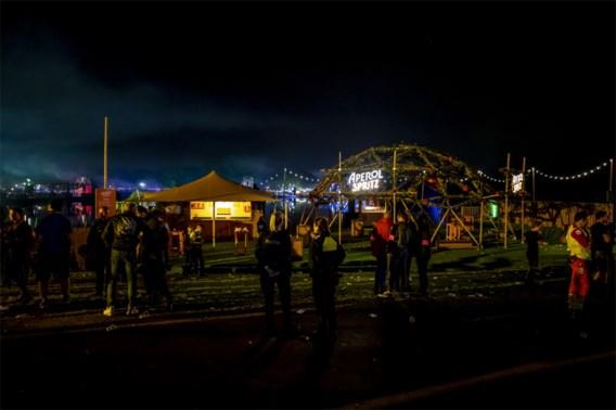 Festivalganger wordt onwel op dancefestival en overlijdt in ziekenhuis
