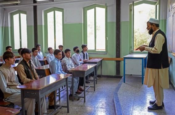 Taliban openen Afghaanse middelbare scholen enkel voor jongens