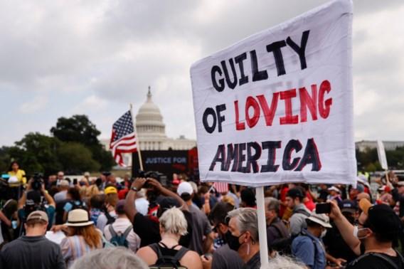 Trump-aanhangers betogen onder streng toezicht in Washington