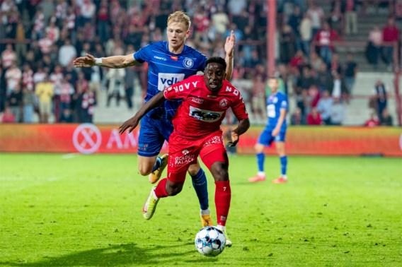 Vroege penaltygoal van Selemani volstaat voor KV Kortrijk tegen AA Gent, dat zelf strafschop mist