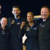 Vier SpaceX-ruimtetoeristen weer met de voeten op aarde