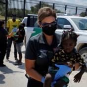 Biden start uitzetting van duizenden migranten die in Texas bivakkeren