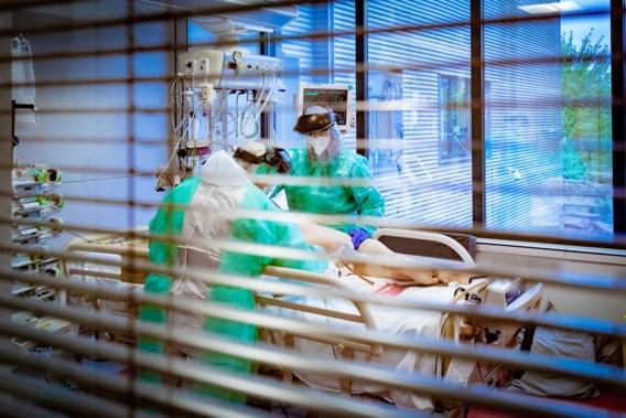 Aantal ziekenhuisopnames door covid-19 daalt verder
