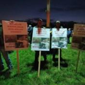 Optocht tegen Limburgse wolven trekt veel volk