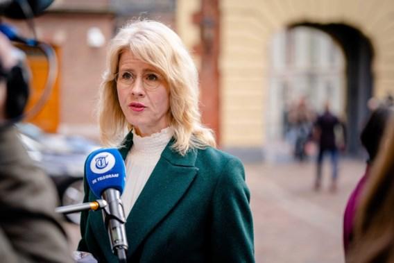 Nederlandse staatssecretaris ontslagen na kritiek op pas ingevoerde coronapas