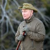 'Machoman' Poetin al jagend gefilmd op vakantie in Siberië