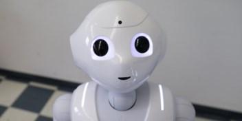 Hoe baziger de robot, hoe minder we luisteren