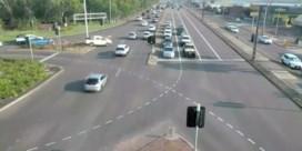 Australische raast met kind in stuurloze auto over acht rijvakken