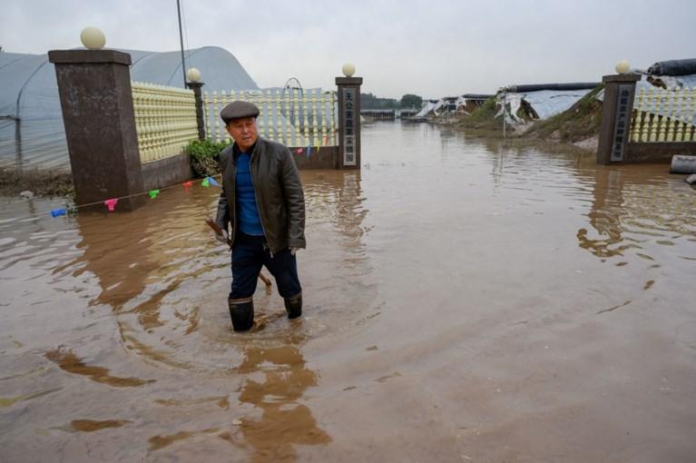 Cina colpita duramente da piogge torrenziali: 15 morti