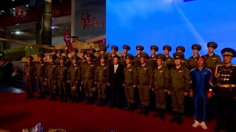 Noord-Koreaanse 'Captain America' steelt show op militaire parade