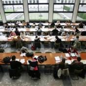 Te weinig leraren, dus krijgen scholieren tot 18 uur studie per week