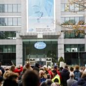 Coronablog | Bijna duizend betogers tegen Covid Safe Ticket aan kantoorgebouw Pfizer