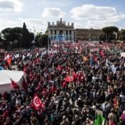 Tienduizenden manifesteren tegen neofascisten in Rome