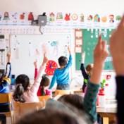 Een hoofddoek voor de klas is geen ramp, het lerarentekort wel