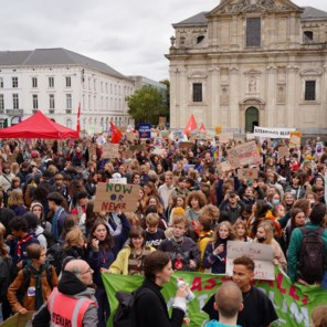 1.400 jongeren stappen door Gent voor een beter klimaatbeleid