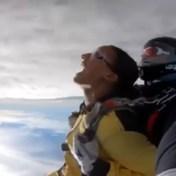 Nafi Thiam springt uit een vliegmachine
