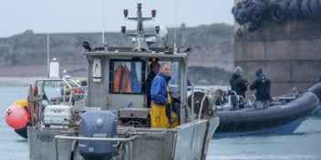 Frankrijk voert dreigementen op in visserijdispuut, Brits schip in beslag genomen