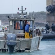 Frankrijk voert dreigementen op in visserijdispuut, Britse boten beboet